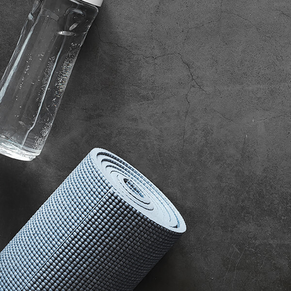 yoga mat and water botle